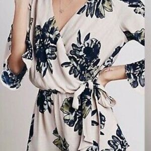 Free People Shorts - Free People All the Right Ruffles Romper sz M